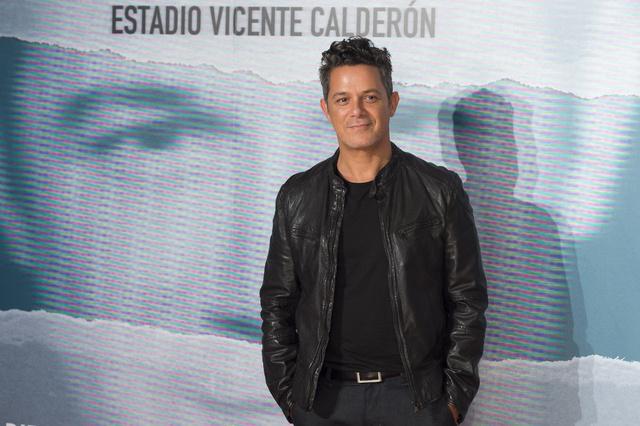 El cantante, en la presentación del concierto Más es más.