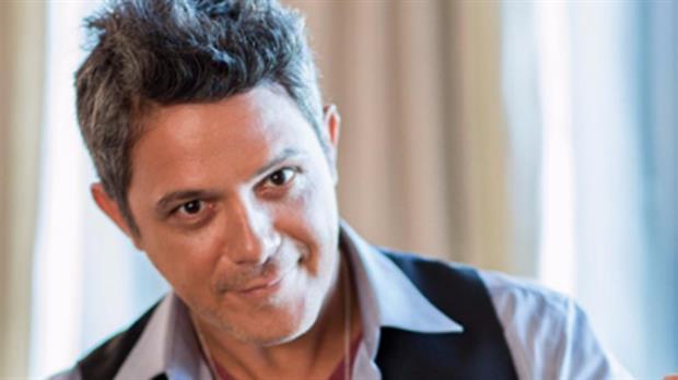 El artista celebra veinte años de su exitoso álbum Más