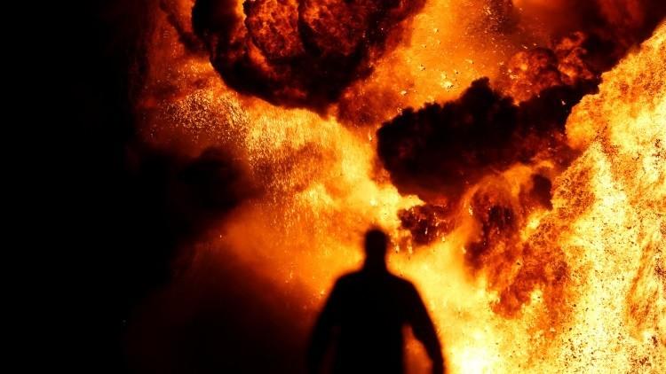FUERTES IMÁGENES: Al menos 123 muertos tras volcar e incendiarse un camión cisterna en Pakistán
