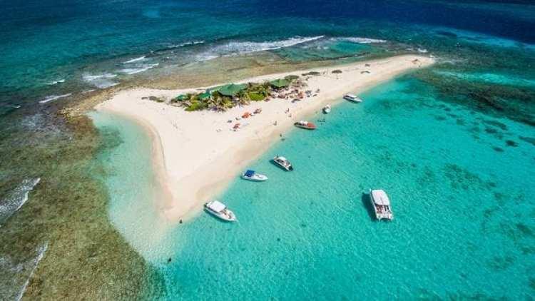 Sandy Island pertence al archipiélago de Anguila, una verdadera joya del Caribe. Un destino top.