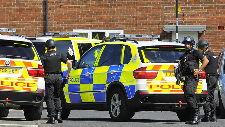Seis heridos tras chocar un coche contra una multitud en el Reino Unido