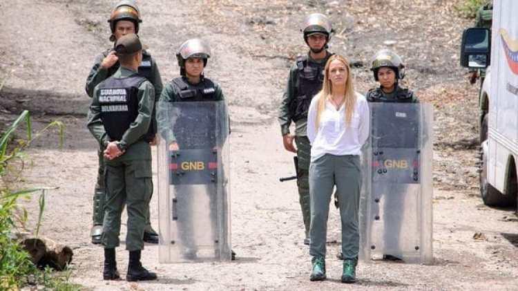 Una vez más, a Lilian Tintori no le permitieron ver a Leopoldo López en Ramo Verde (@liliantintori)