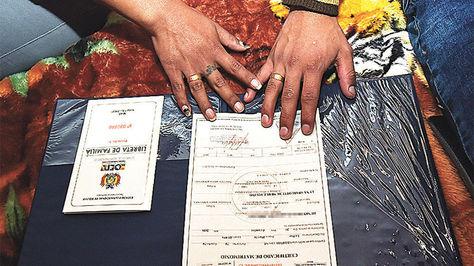 Certificado de matromonio de Luna y Henry