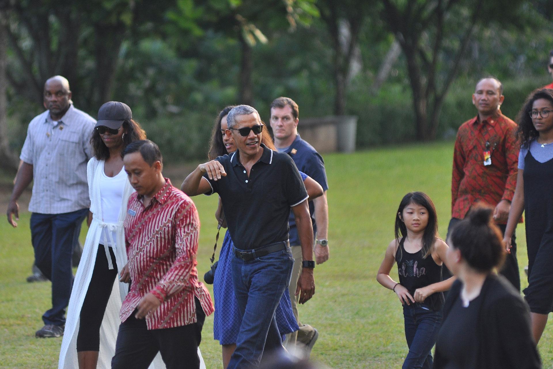La familia tiene programado pasar 10 días en el país (AFP)