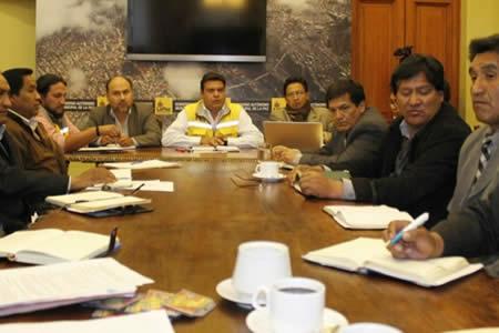 Resultado de imagen de La Paz: reunión de choferes y Alcaldía