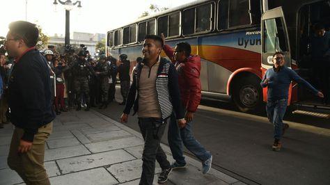 Llegada de los bolivianos al Palacio de Gobierno en la plaza Murillo de La Paz.