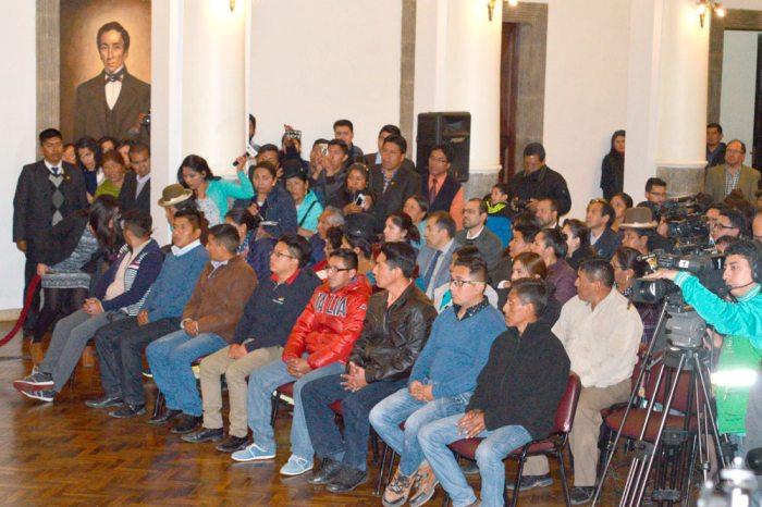 LOS NUEVE DETENIDOS, JUZGADOS, SENTENCIADOS Y EXPULSADOS FUERON LOS INVITADOS ESPECIALES AYER EN PALACIO DE GOBIERNO.