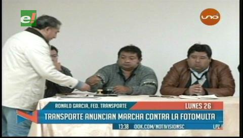 Transporte urbano de Santa Cruz se declara en emergencia contra Ley de Fotomultas
