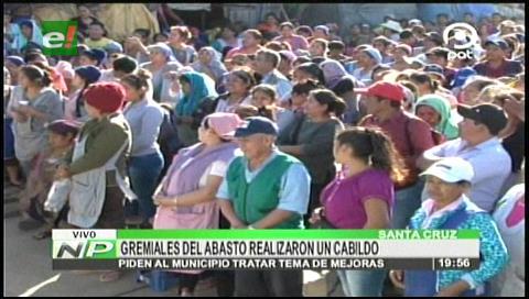 Cabildo de gremiales en el mercado Abasto, rechazan asentamientos ilegales