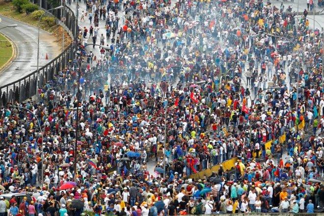 La oposición se concentrará en la autopista Francisco Fajardo (Foto: Reuters)
