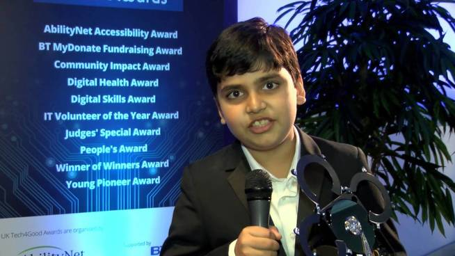Arnav Sharma en la competición Tech4good. (YouTube)