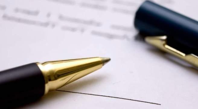 Resultado de imagen de firma de contratos