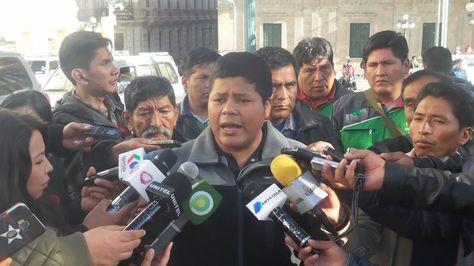 El representante del Adepcoca, Franklin Gutiérrez, en la rueda de prensa de este martes.