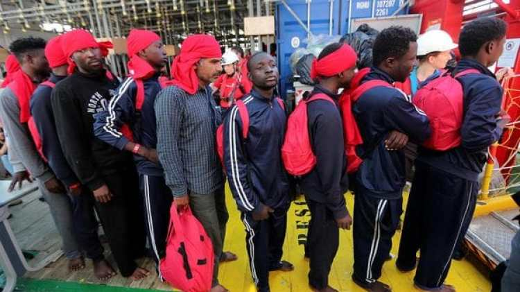 Inmigrantes llegados a un puerto italiano (Reuters)