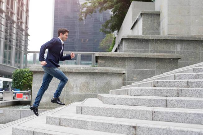 Aprovecha cada momento disponible para mover esas caderas. (iStock)