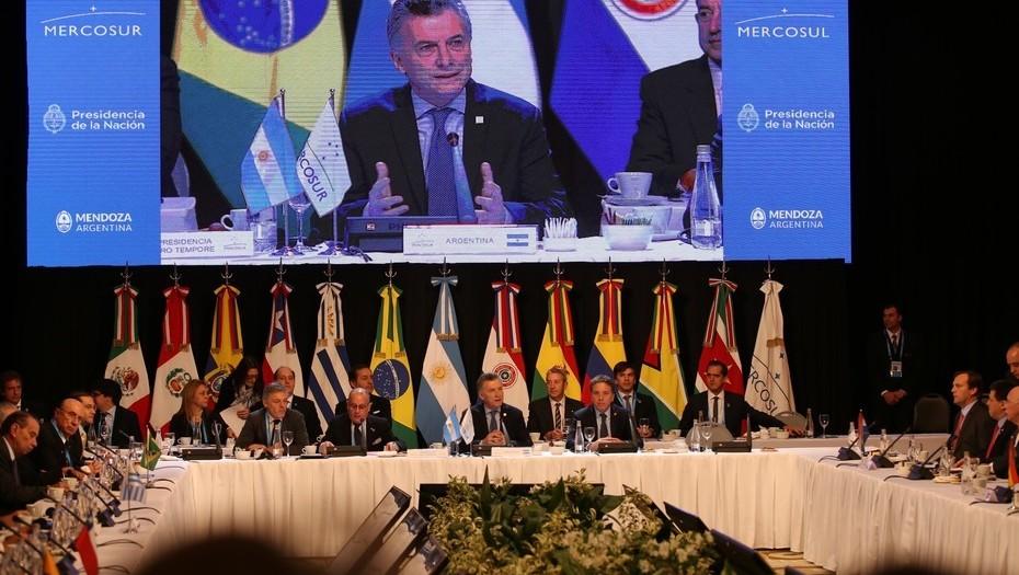 """Mauricio Macri abrió la Cumbre del Mercosur: """"Reiteramos el llamado a la paz en Venezuela"""""""