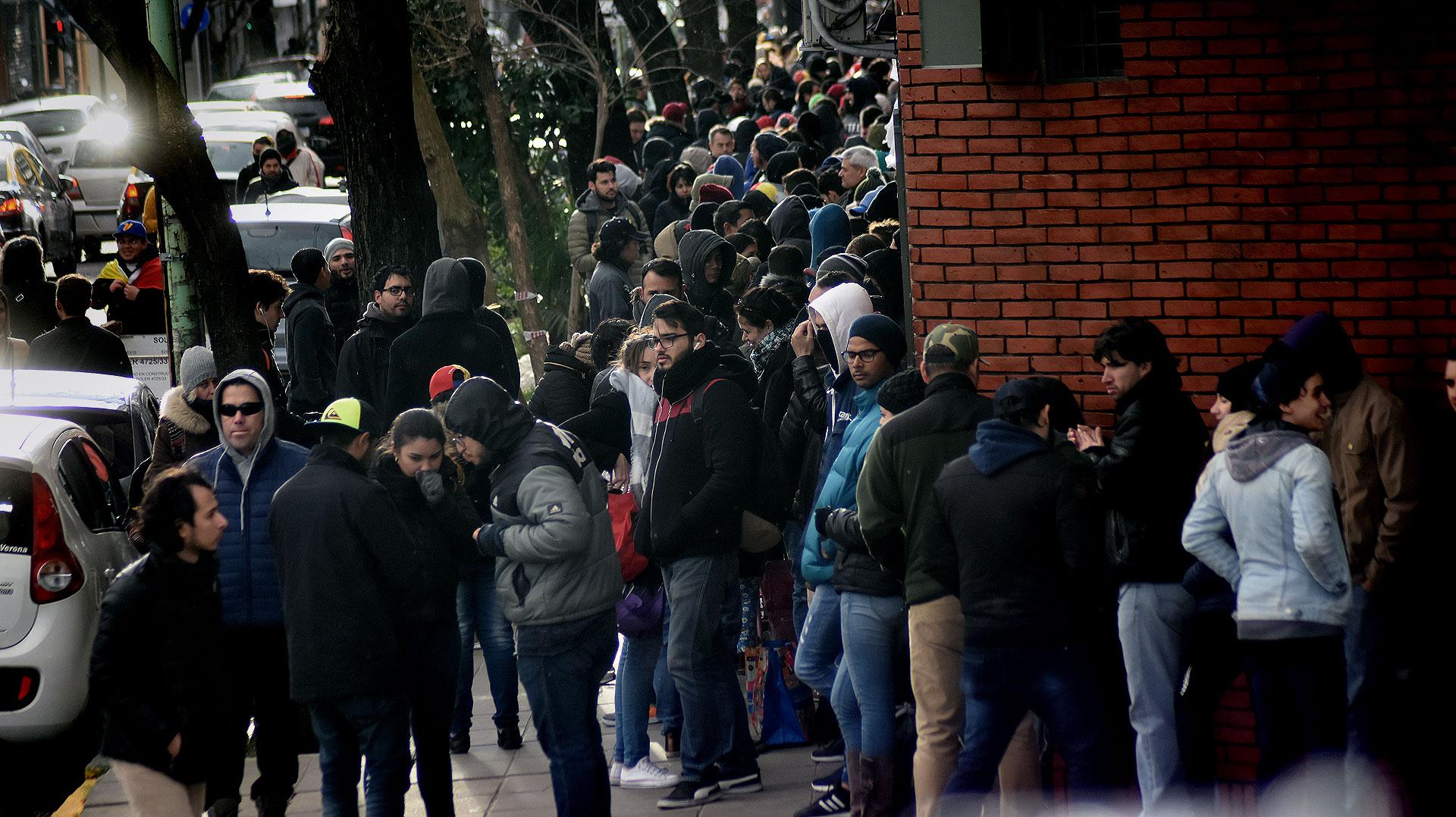 La consulta popular atrajo a muchos venezolanos en el extranjero (Nicolás Stulberg)