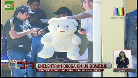 Encuentran droga dentro de un oso de peluche y en toallas íntimas