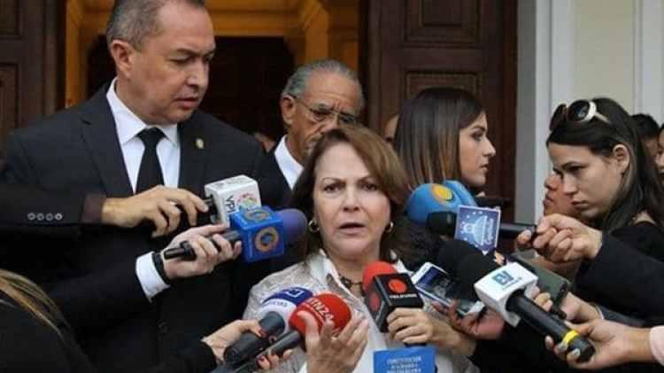 Mitzy Capriles