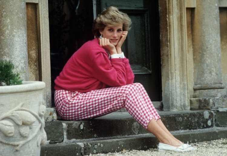 La princesa Diana fue una gran estrella en vida, ícono de la moda, voluntaria de obras de caridad y favorita de los tabloides (Photo by Tim Graham/Getty Images)