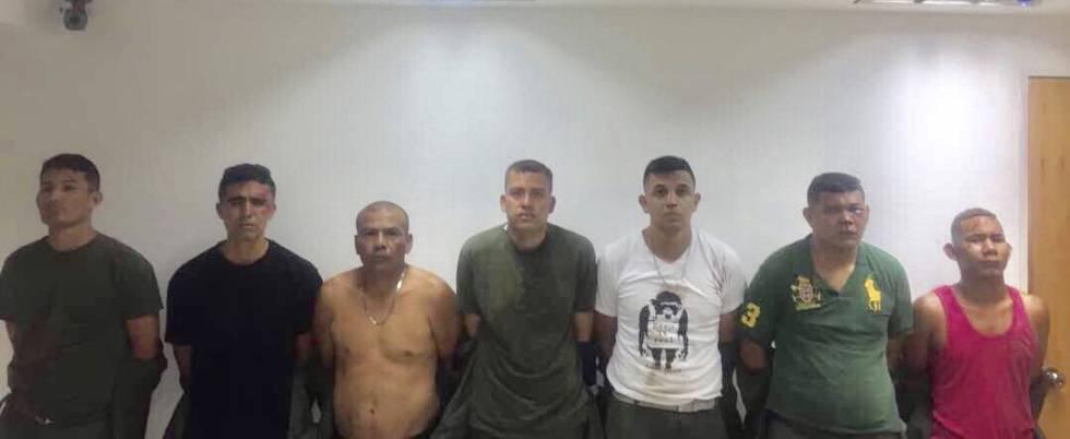 Siete de los detenidos por la toma de un cuartel, en una imagen difundida por el Gobierno venezolano.