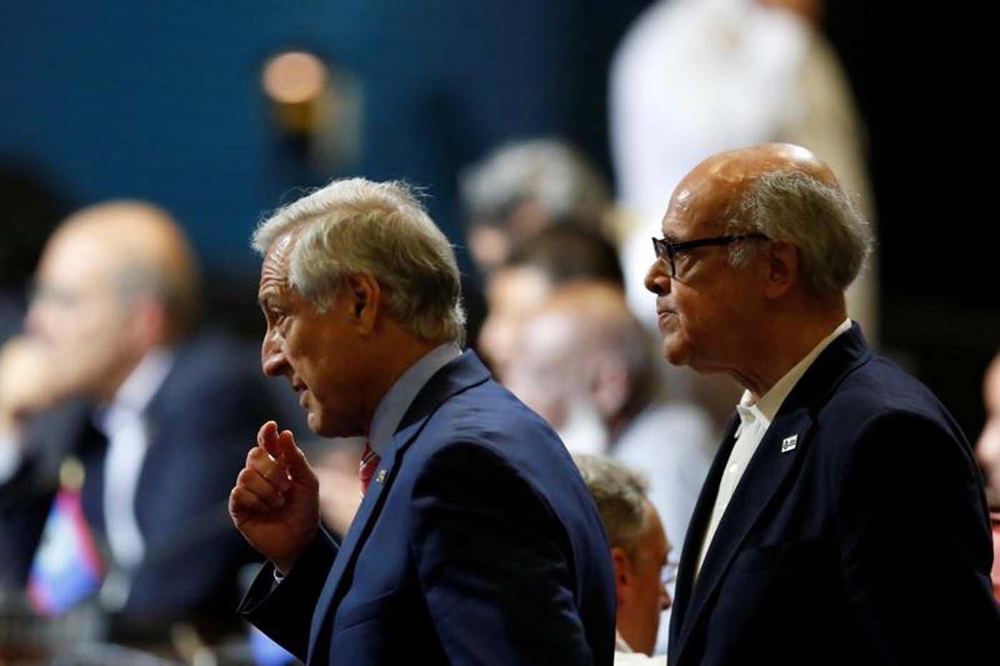 El ministro de Relaciones Exteriores de Perú, Ricardo Luna Mendoza, y su homólogo chileno, Heraldo Munoz(Foto archivo REUTERS/Carlos Jasso)