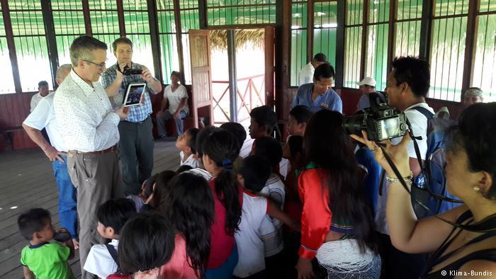 Andreas Wolter besucht eine Schule in Santa Clara (Klima-Bundis)