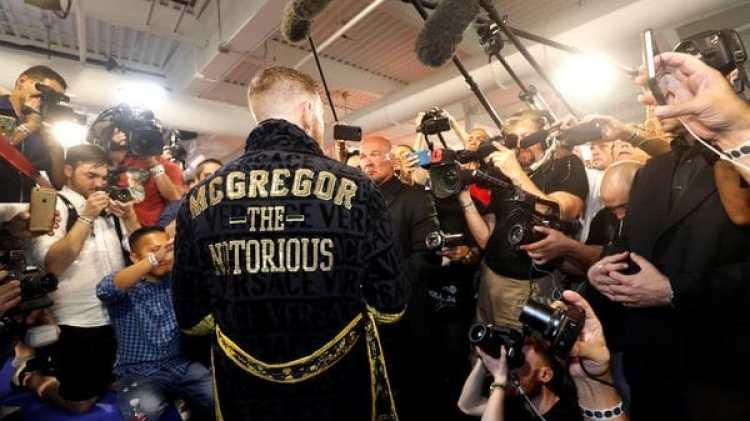 Conor McGregor, durante una rueda de prensa durante un entrenamiento(REUTERS)