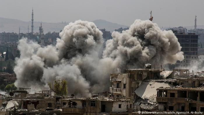Syrien Krieg - Luftangriff in Damaskus (picture-alliance/Anadolu Agency/A. Al-Bushy)