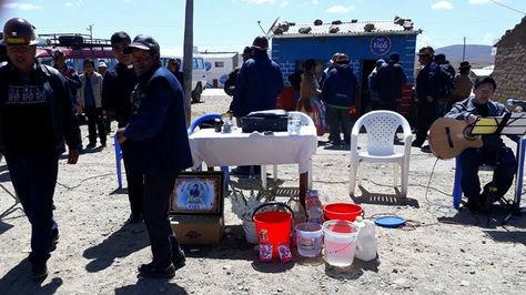 Misa por los muertos en Panduro, hace un año. Foto tomada de la cuenta de Facebook de Fencomin
