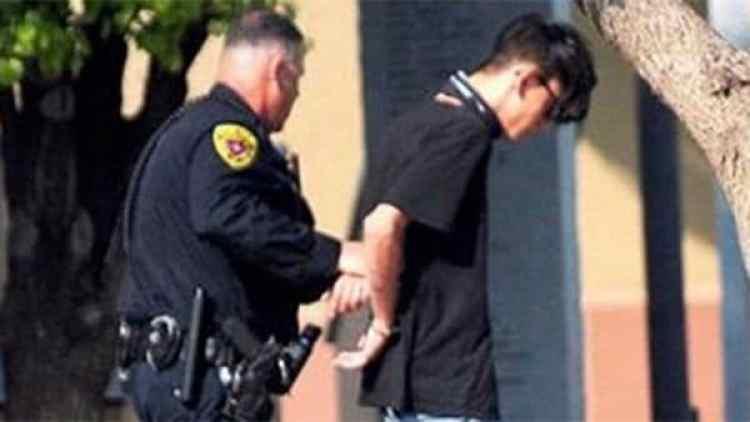 Así se llevaban detenido al atacante