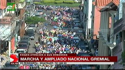 Comerciantes de Santa Cruz marchan en demanda de un nuevo Código Tributario