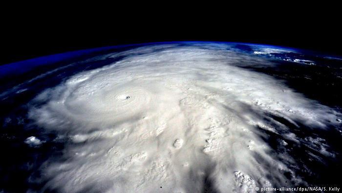 Mexiko Hurrikan Patricia (picture-alliance/dpa/NASA/S. Kelly)