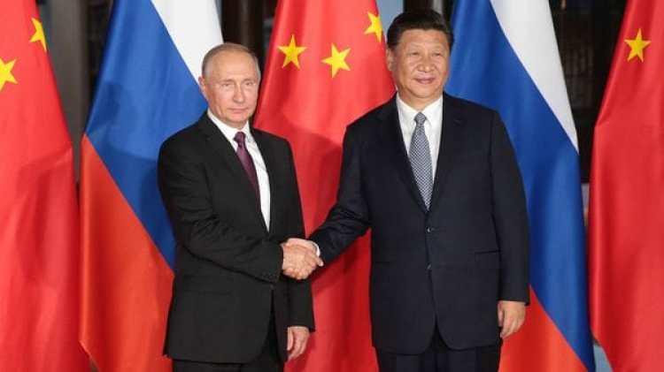 El anfitrión recibe al presidente ruso, Vladimir Putin (EFE)
