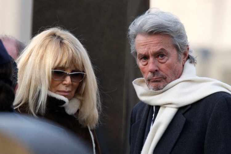 Alain Delon y Mireille Darcen 2009
