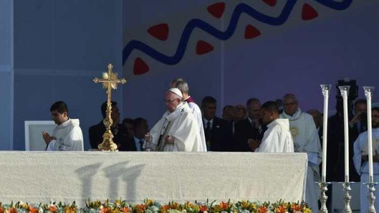 Este jueves fue el primer día de actividades de Francisco en Colombia (AFP)