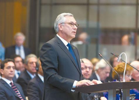 El agente Eduardo Rodríguez Veltzé en la presentación de los alegatos de Bolivia ante la CIJ.