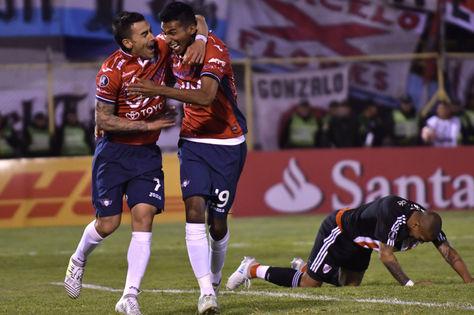 Alvarez festeja el segundo gol ante River