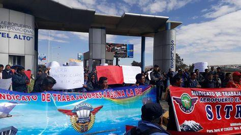 Trabajadores de Aasana La Paz durante sus movilizaciones este fin de semana. Foto: Facebook