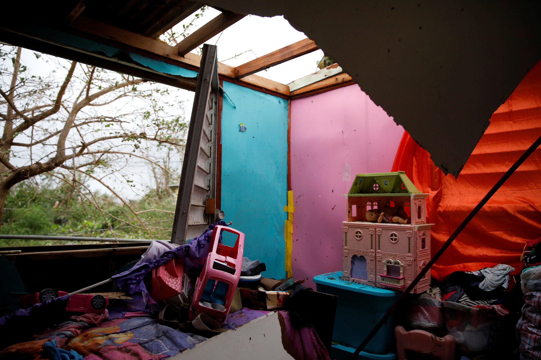 Una casa semi destruida en Guayama, Puerto Rico. (REUTERS/Carlos Garcia Rawlins)