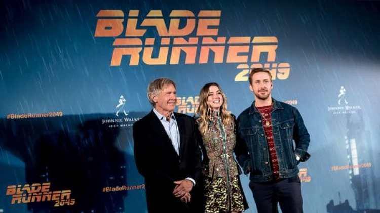 """Acceder al personaje de Joi en """"Blade Runner 2049"""", la amante y confidente del agente K (Gosling), le costó tres audiciones, según explicó la actriz cubana Ana de Armas (Getty Images)"""