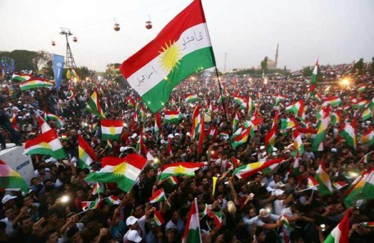 Kurdos iraquíes se manifiestan en un evento de convocatoria al referéndum (AFP)