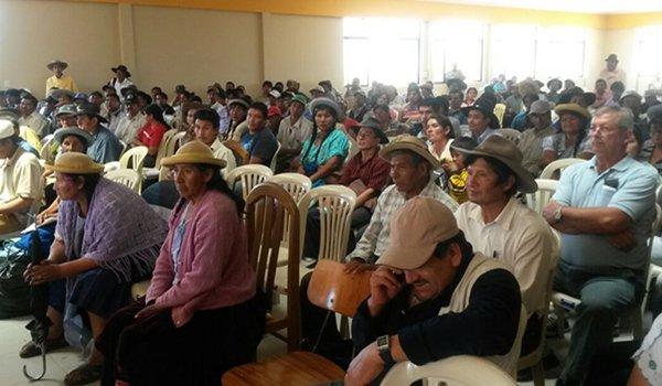 Resultado de imagen de Campesinos de Tarija