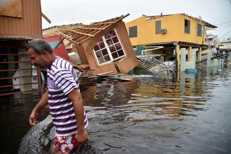 A la grave crisis económica de Puerto Rico se sumaron dos desastres naturales (Héctor Retamal/AFP)