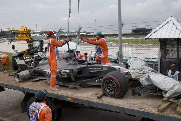 Así quedó el vehículo de Romain Grosjean (AP)