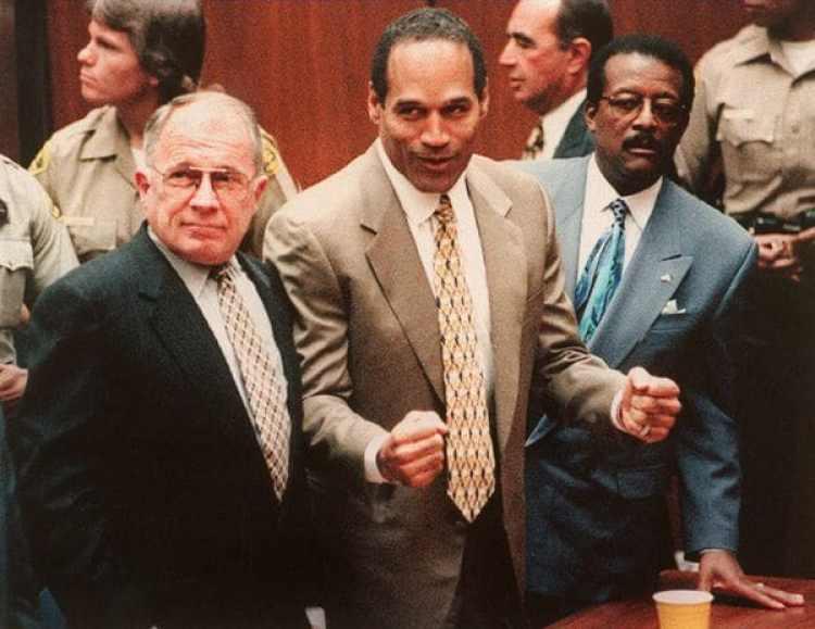 OJ Simpsonfue absuelto por una corte penal por el asesinato deNicole Brown y Ron Goldman (Getty Images)