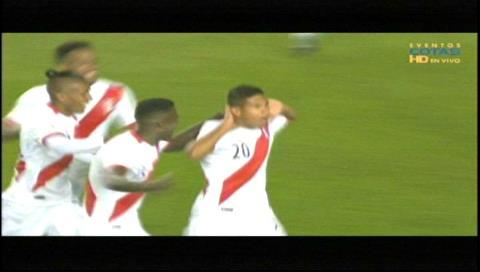 Perú derrotó 2-1 a Bolivia y se aferra a la zona del repechaje