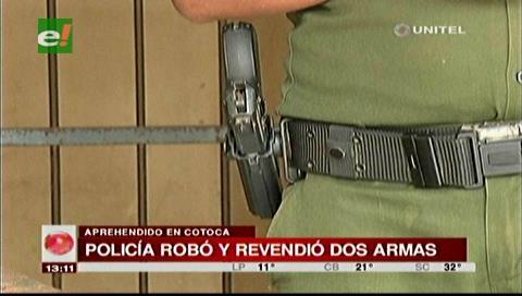 Detienen a policía que robó dos armas para revenderlas