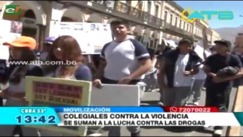 Estudiantes marchan contra el tráfico y consumo de drogas