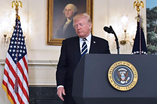 El presidente Donald Trump, tras dar la rueda de prensa sobre el atentado en Las Vegas